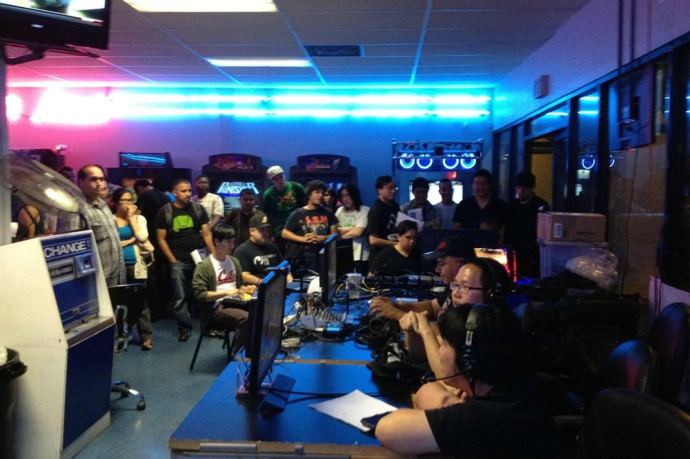 weekly-tournaments-drew-crowds-to-super-arcade